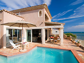 Villa beach front and pool Beziers Languedoc