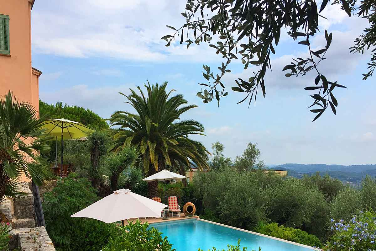 Grasse family holiday villa for 9