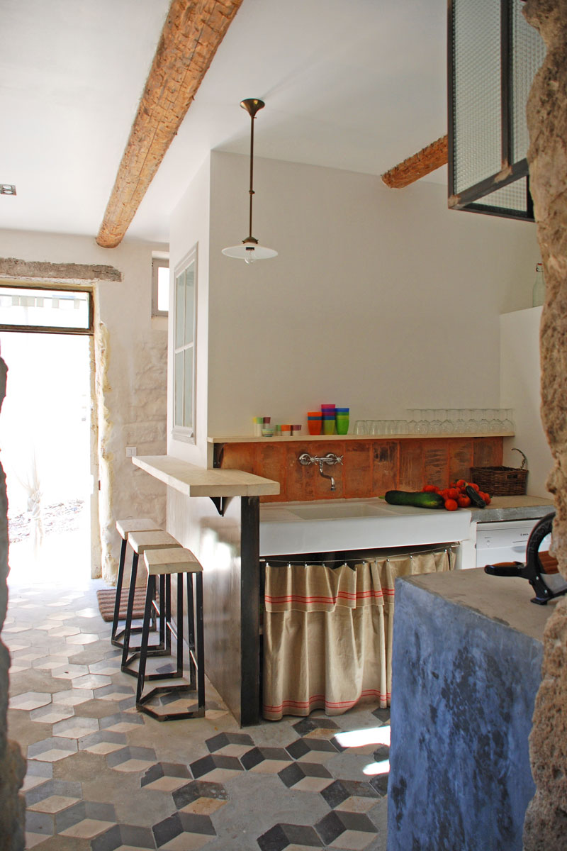 Kitchen and breakfast bar Holiday Home Rental