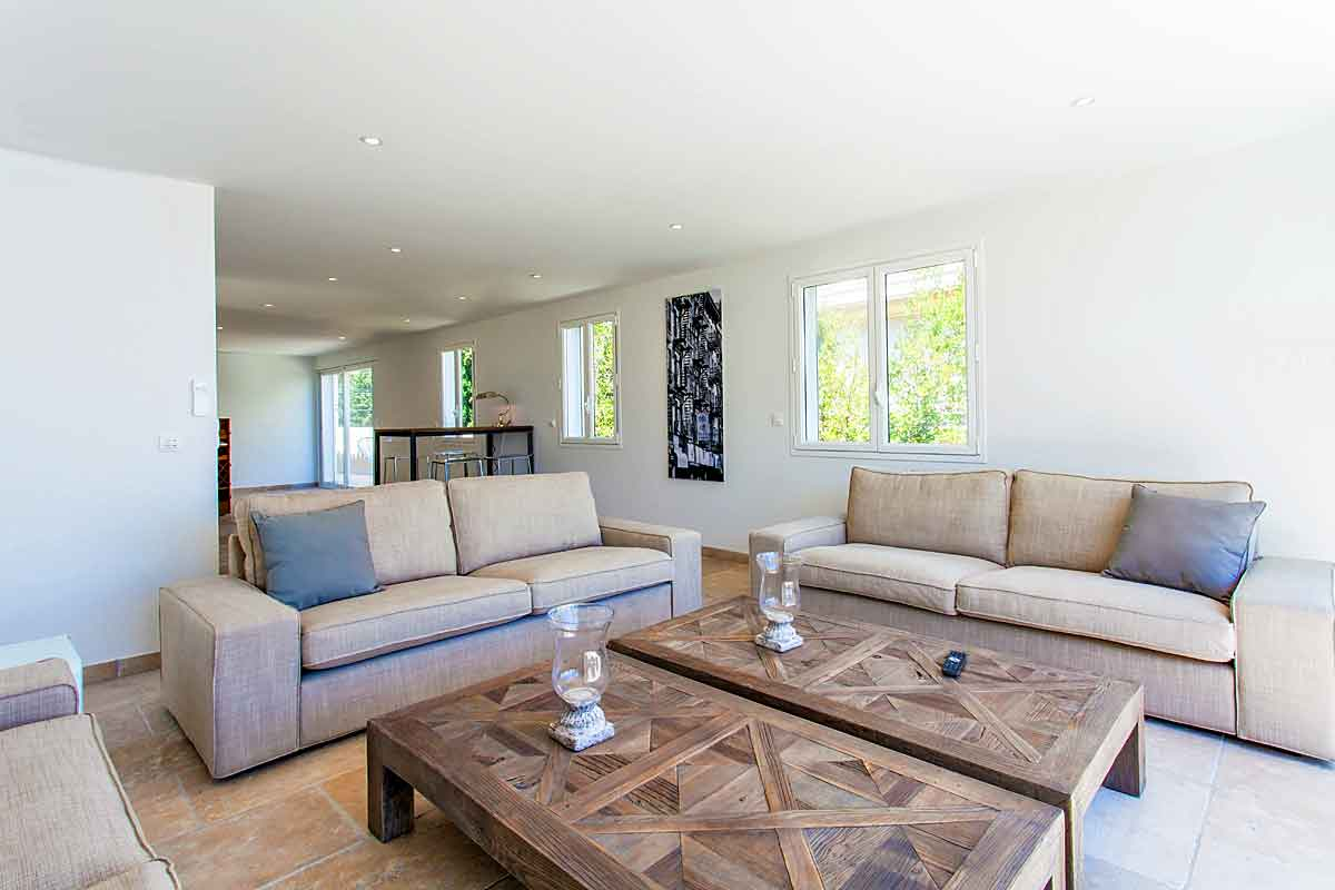 Cannes Vacation Villa for 16