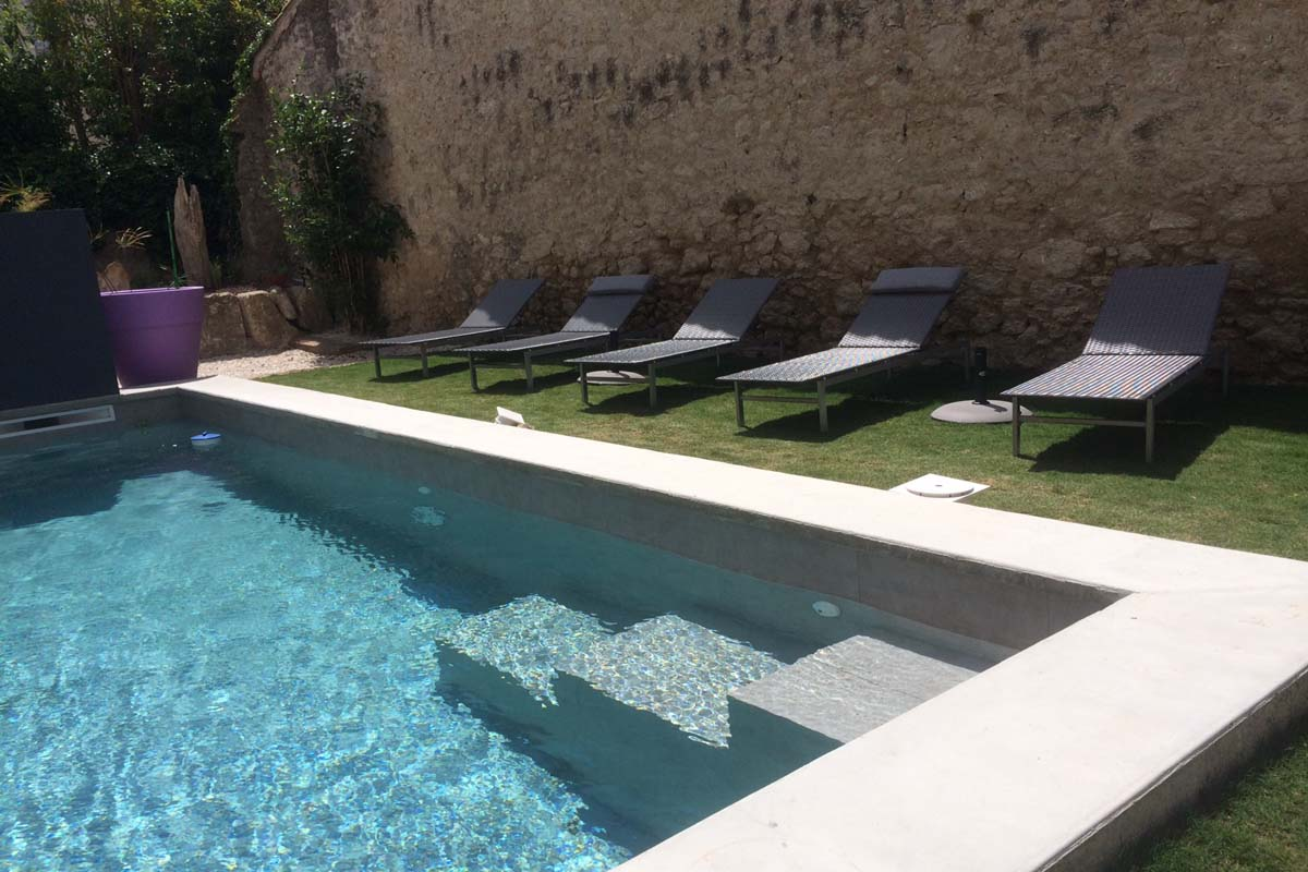 languedoc heated pool