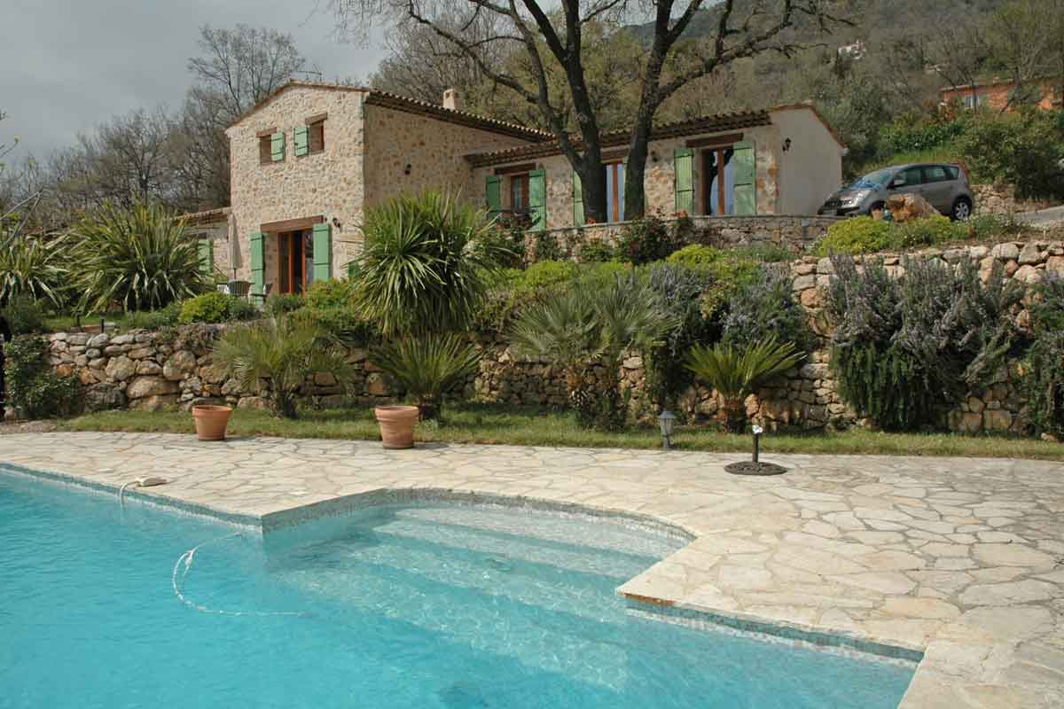 French Riviera Villa with pool