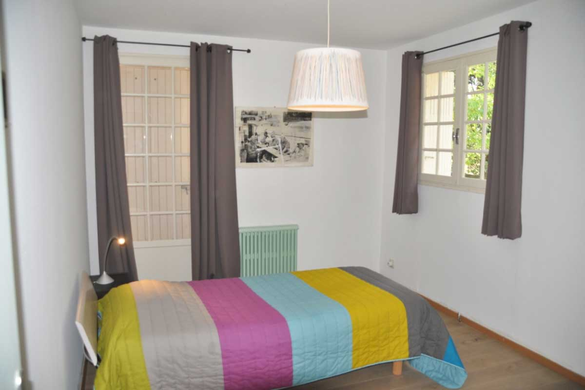 Provence Bedroom Furniture Provenassal Villa With Pool To Rent Close To Avignon