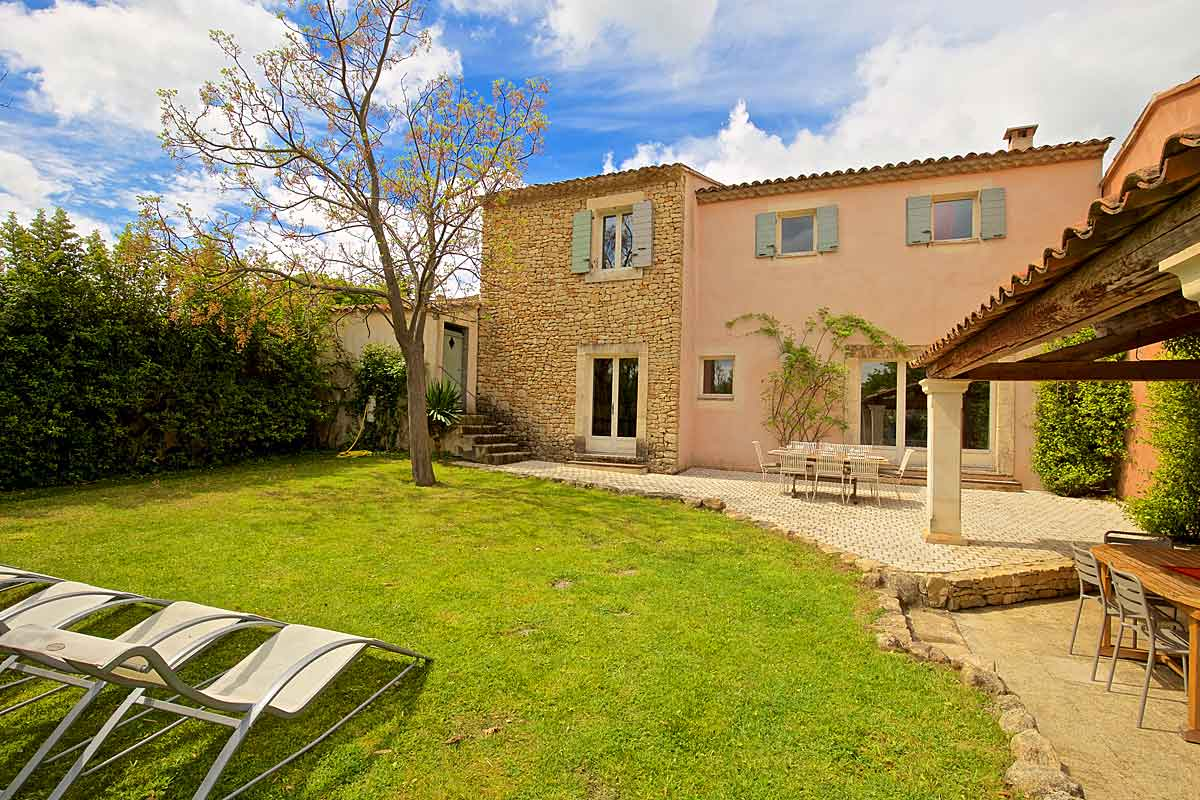 Provence-Villa-Rental-with-pool