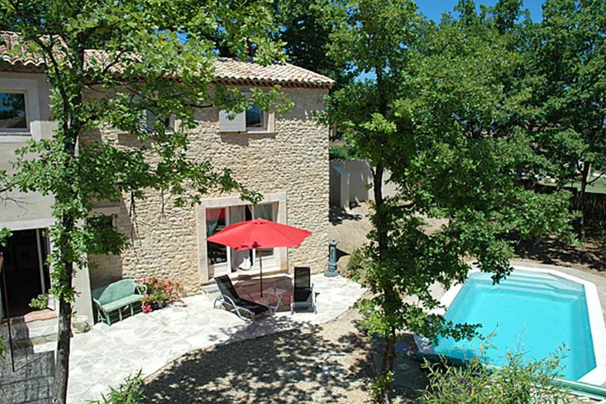 Villas To Rent Goult