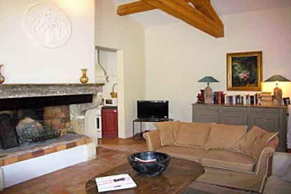Comfortable seating  - Maison Sophie - Villa to Rent in Provence