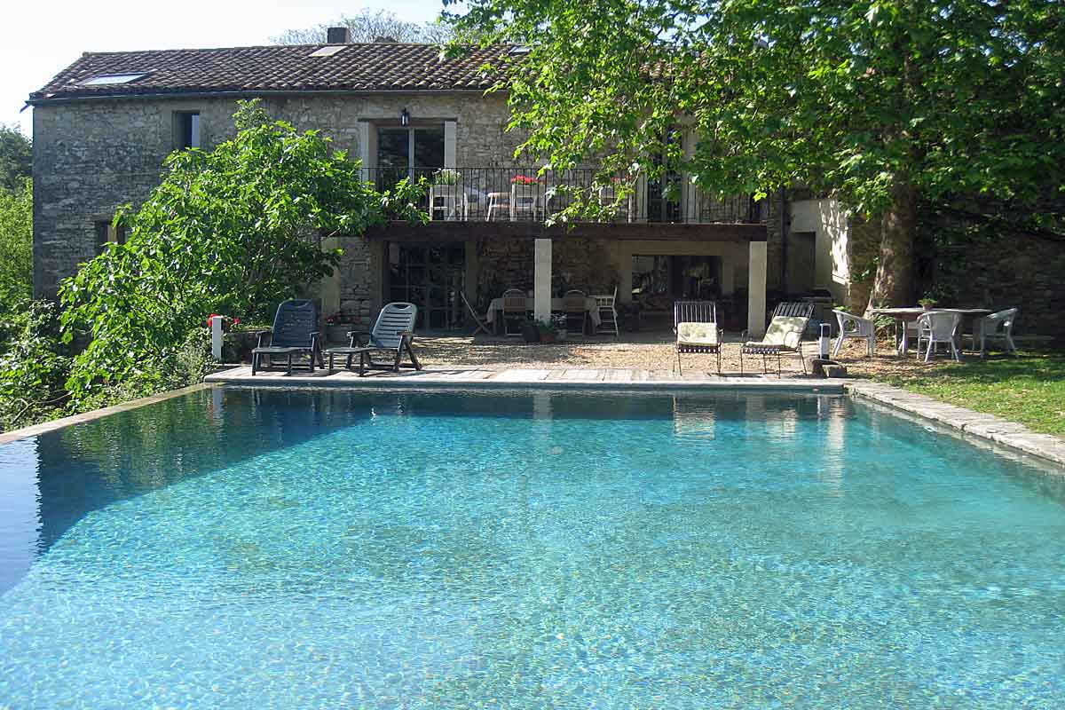 Villa-Rental-Provence-Fenced-Pool