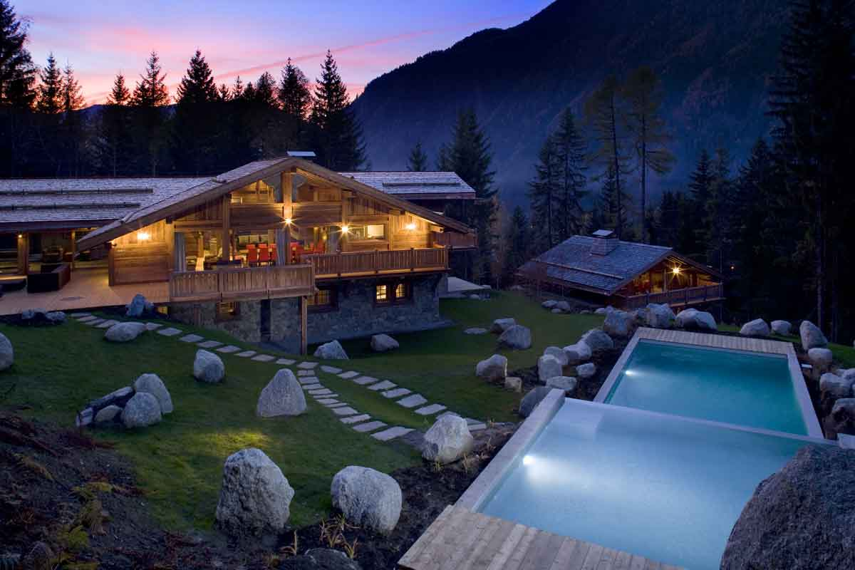 French alps luxury holiday ski chalet with pool to rent for Holzchalet bauen