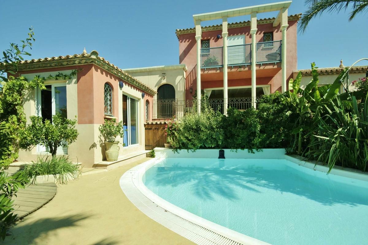 South France Villas Near Beach