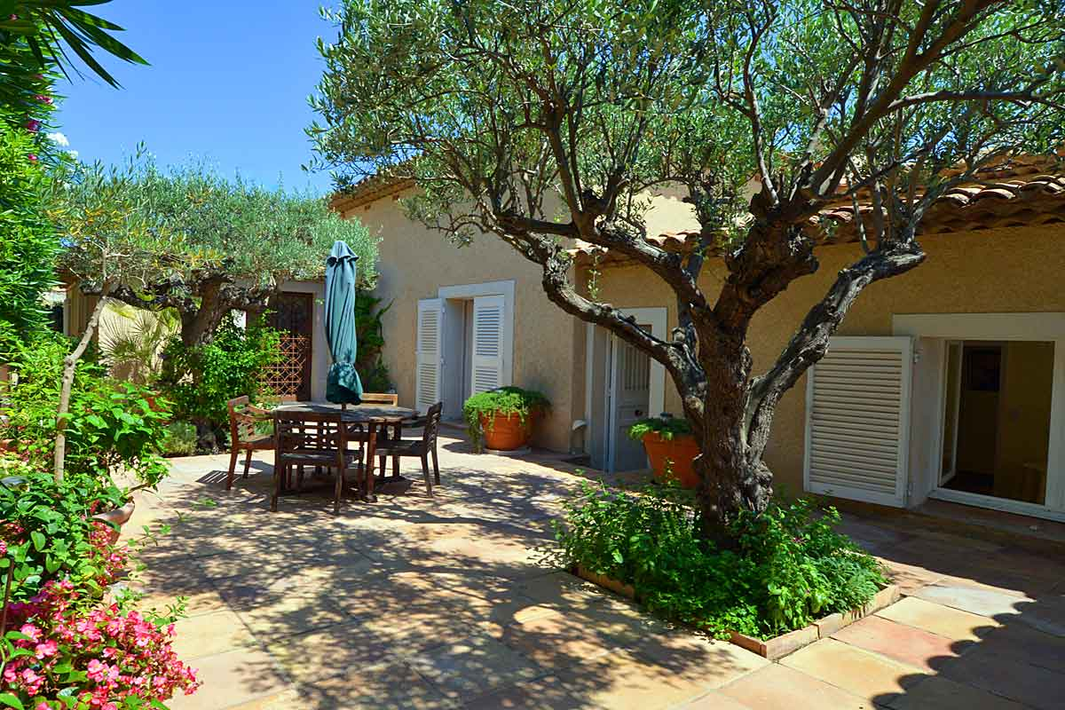 South of France villa rental on the beach