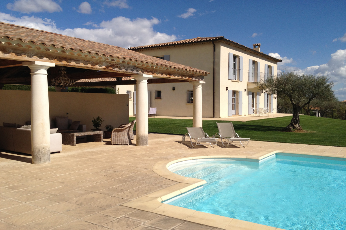 Villa Rental near Nimes for 12 with pool
