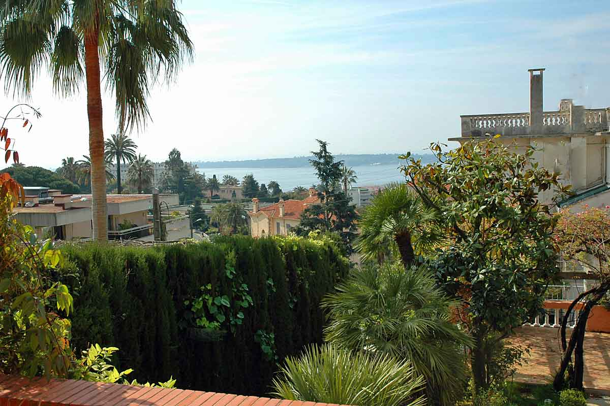 Cannes-Villa-Rental-sleeps-10
