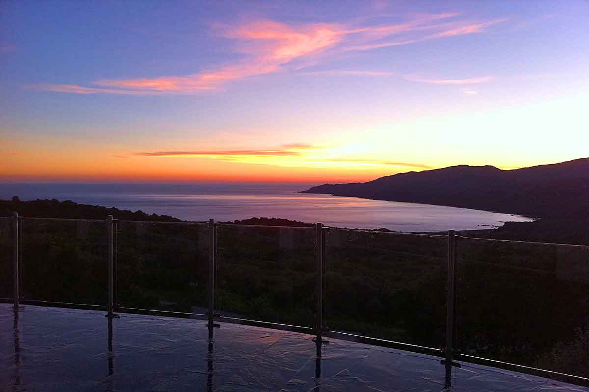 Luxury Corsica Holiday Villa to rent with infinity pool near Cupabia