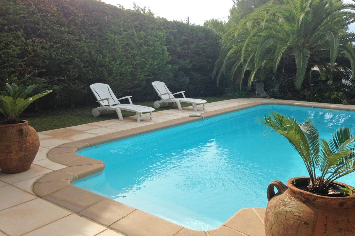 Villa Corniche, Stylish South of France Villa in Sete, Walking distance to Beach, Air-Con