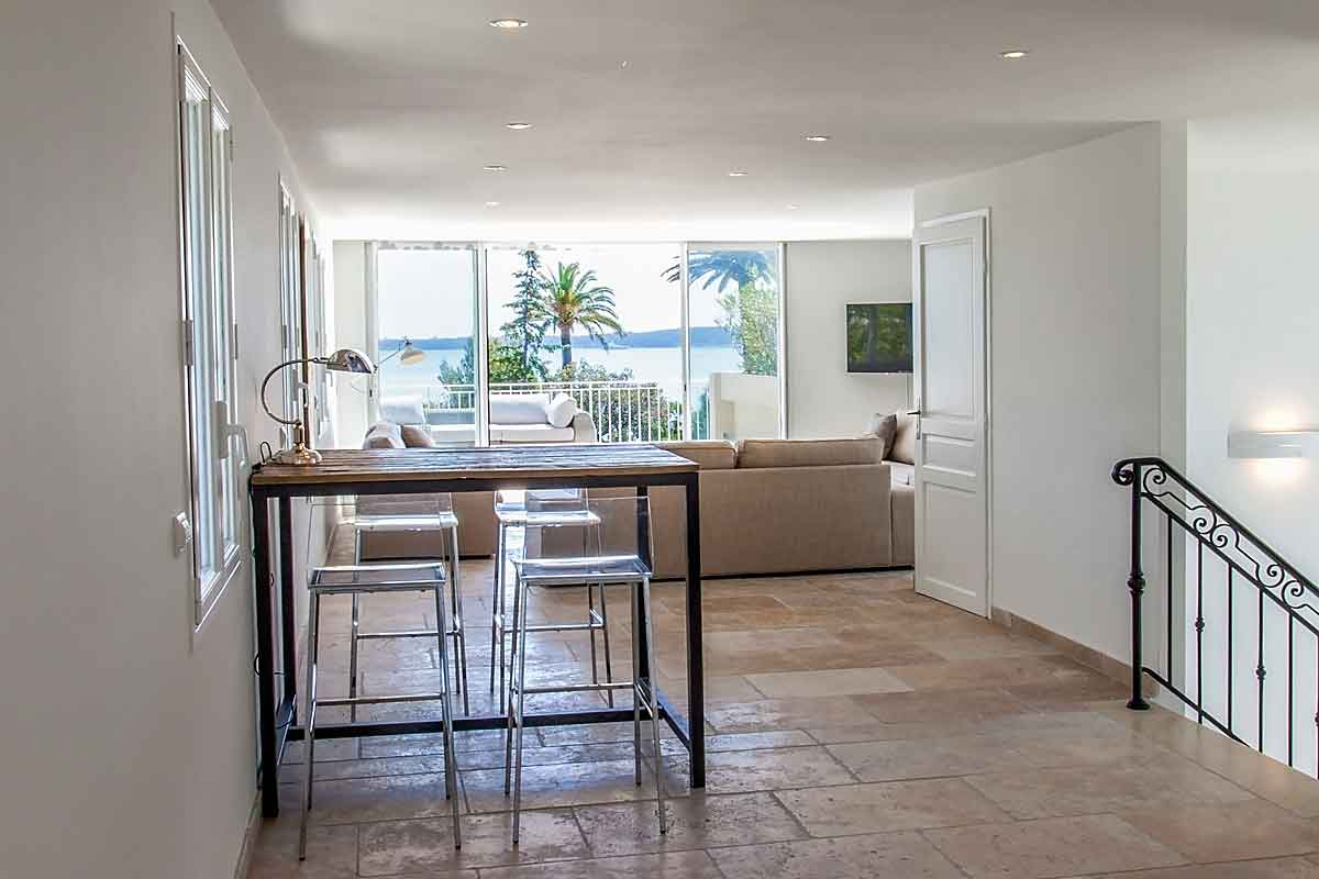 Cannes-Villa-Rental-with-pool-sleeps-16