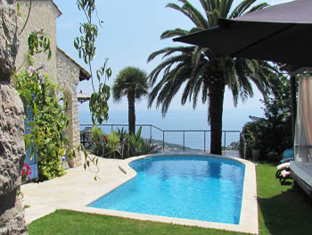 Cote d'Azur family rental pool 10