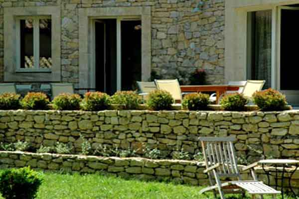 Villa Provence sleeps 8 pool