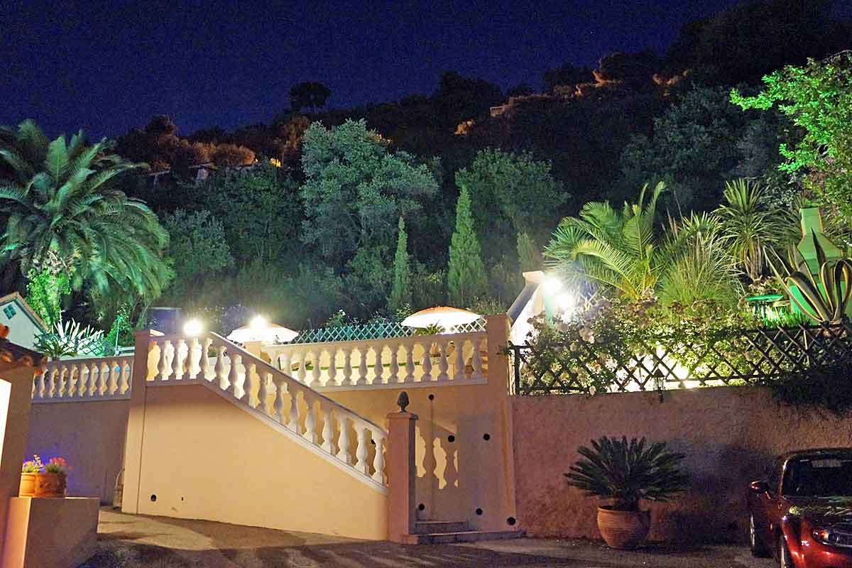Luxury villa for rent in Nice