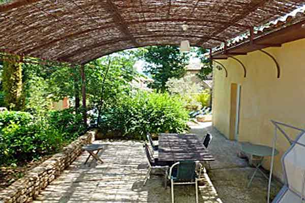Alfresco dining  - Maison Sophie - Villa to Rent in Provence