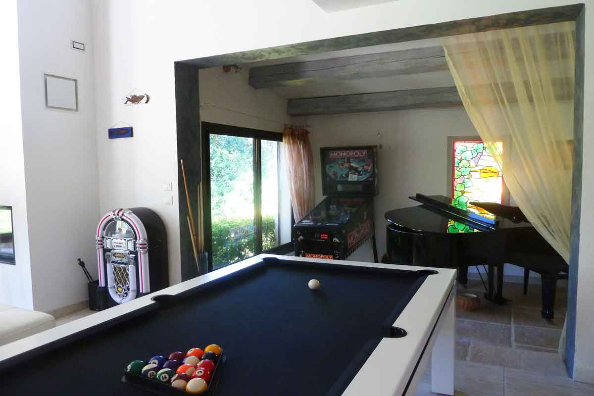 Languedoc Holiday Villa For 6 With Pool To Rent Near Pezenas