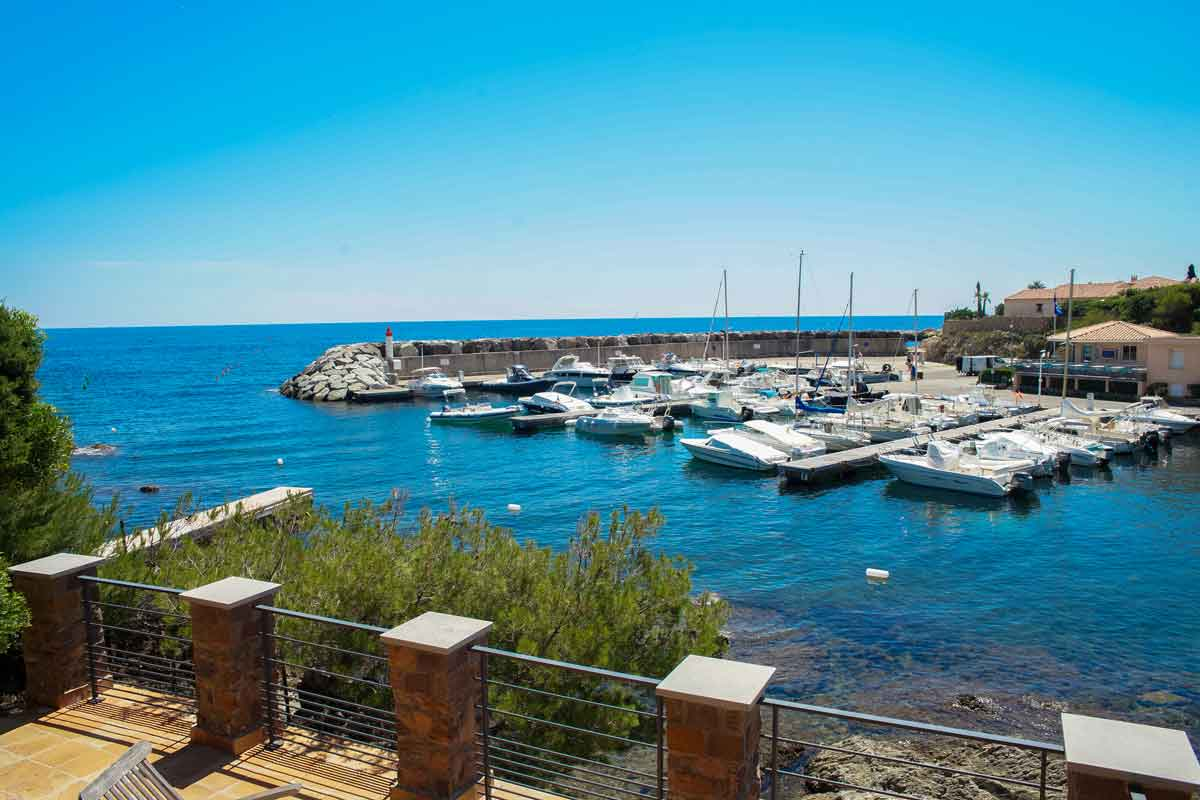 South of France holiday rental on the waterfront