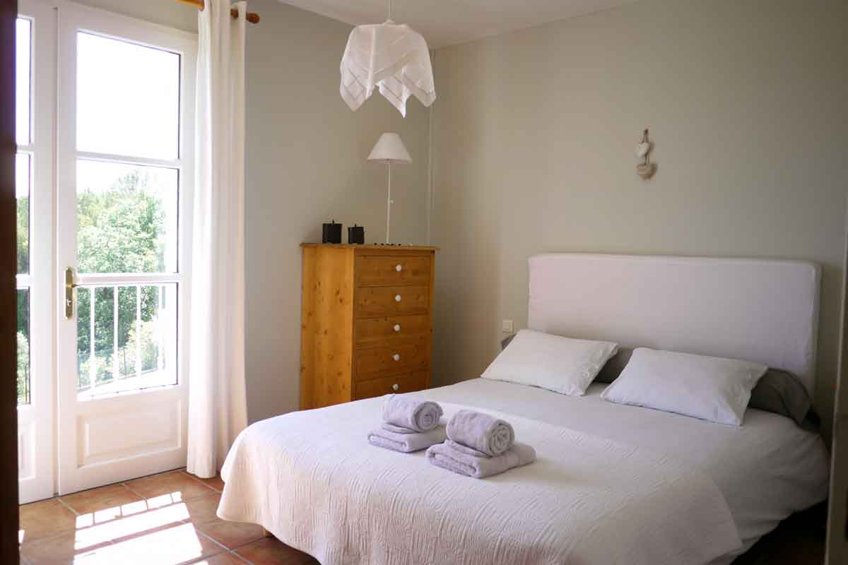 Holiday Rental near Nimes for 12