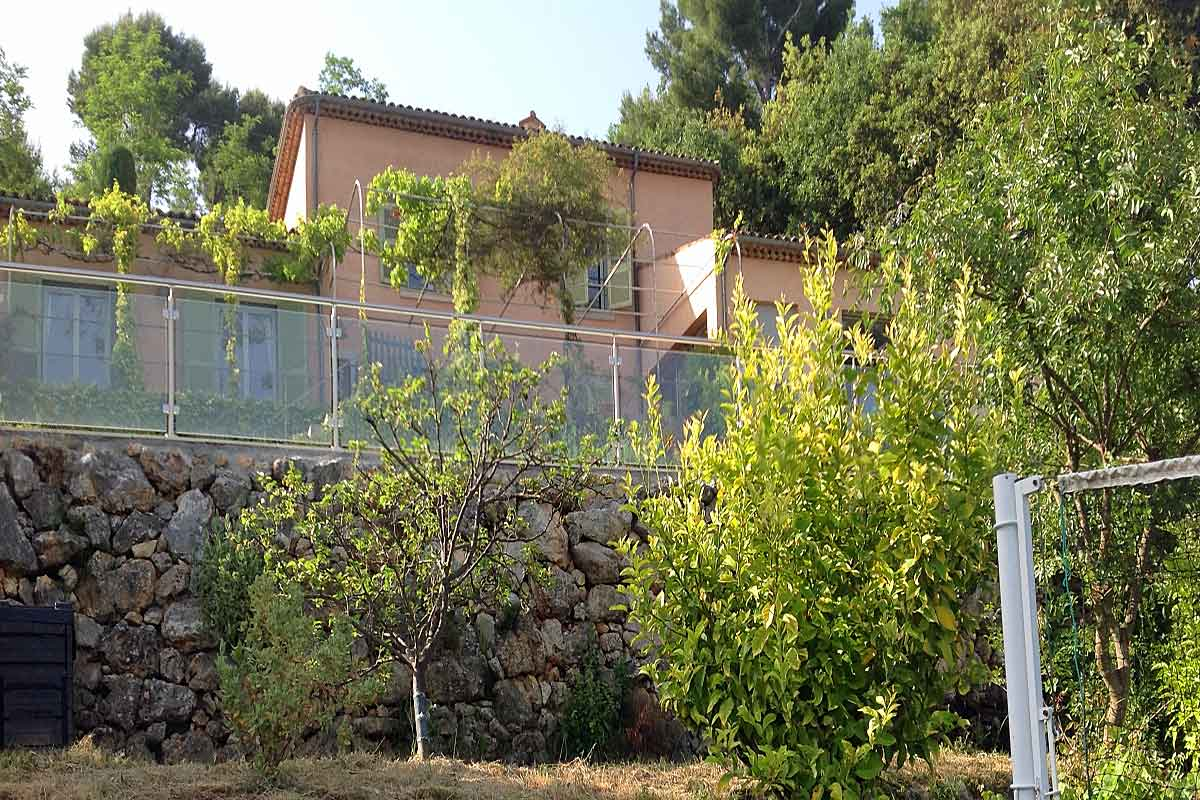 Villa-to-rent-in-Vence-