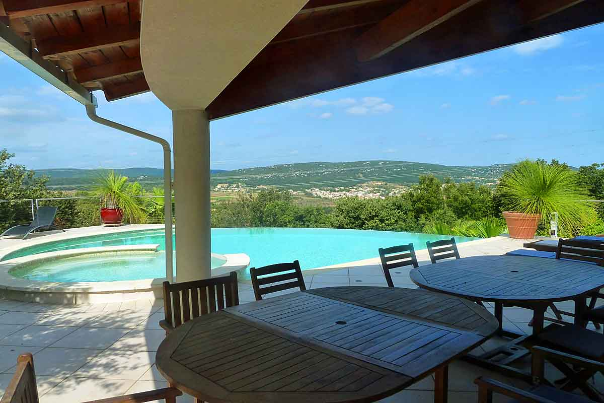 South of France Vacation Rental for 10 with salt water infinity pool
