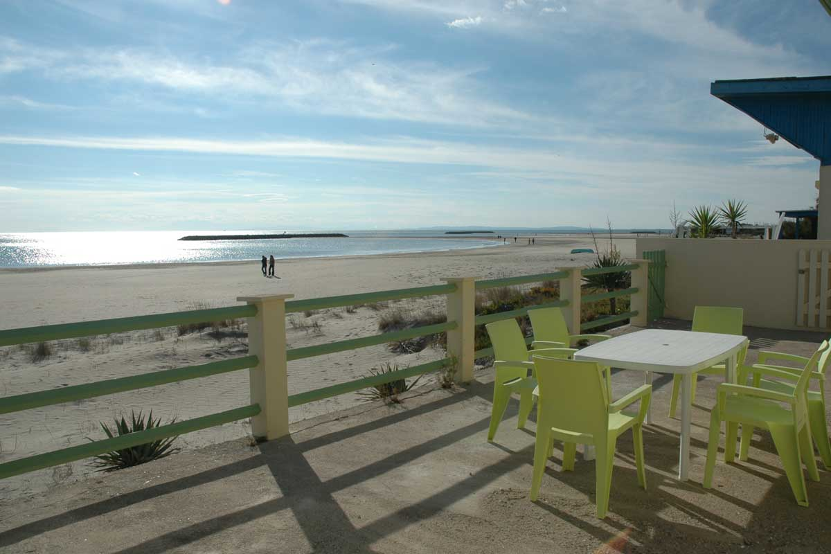 Family Villa beachfront France 4