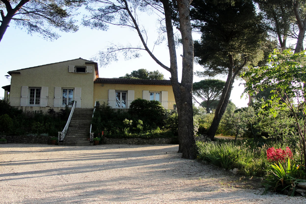 Provence Rental for 10 with pool