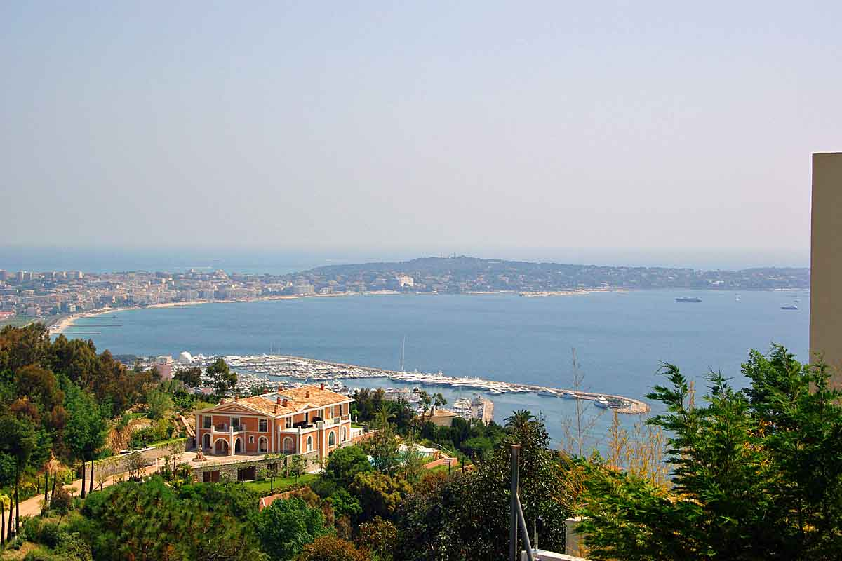 Cannes-Luxury-Villa-Rental-sleeps-14
