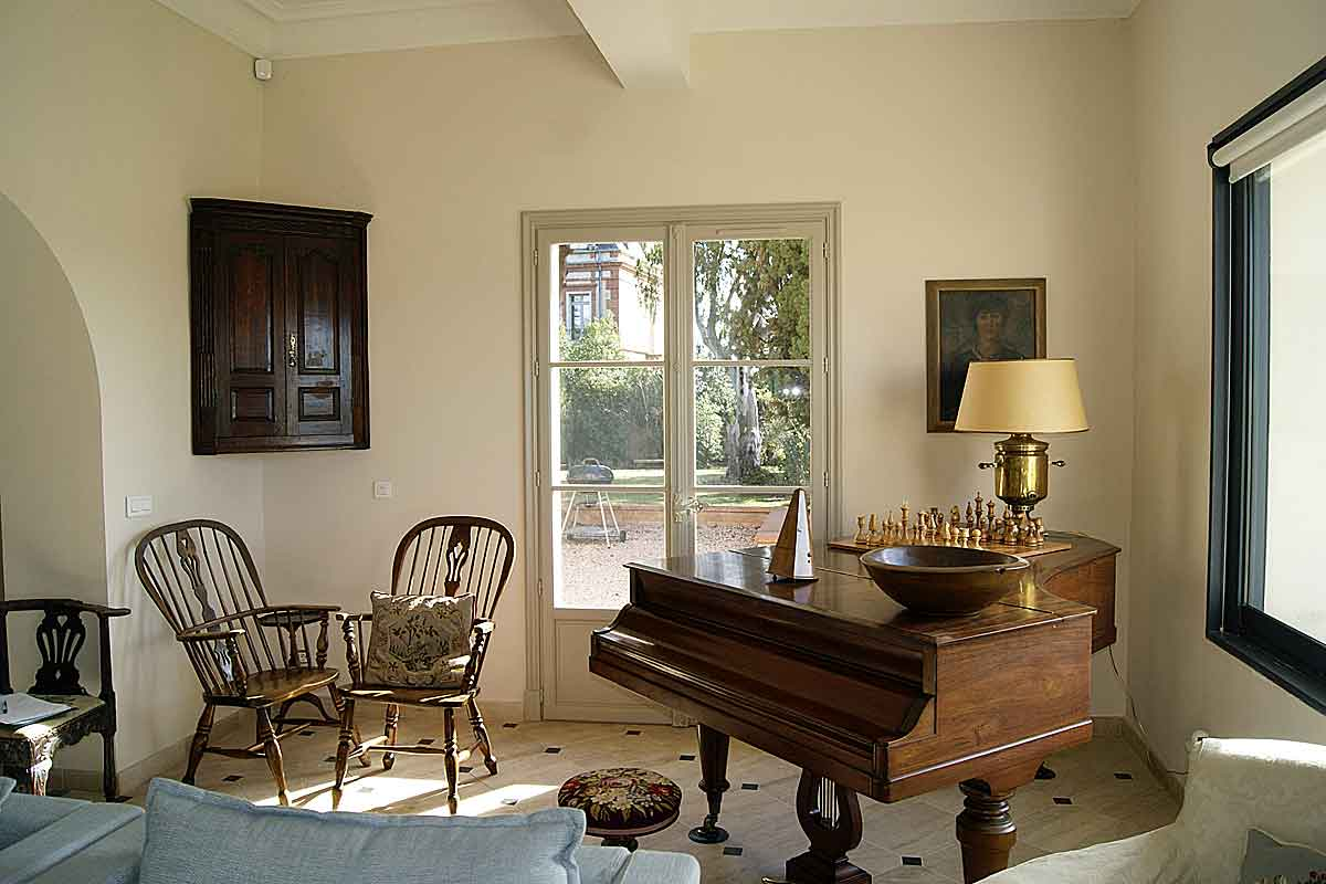 languedoc holiday villa for up to 16 with pool to rent near perpignan. Black Bedroom Furniture Sets. Home Design Ideas