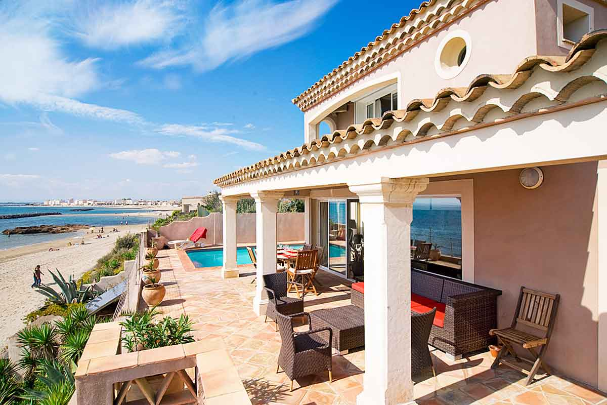 South of france beachfront holiday home with heated pool for Chantry flats cabins rental