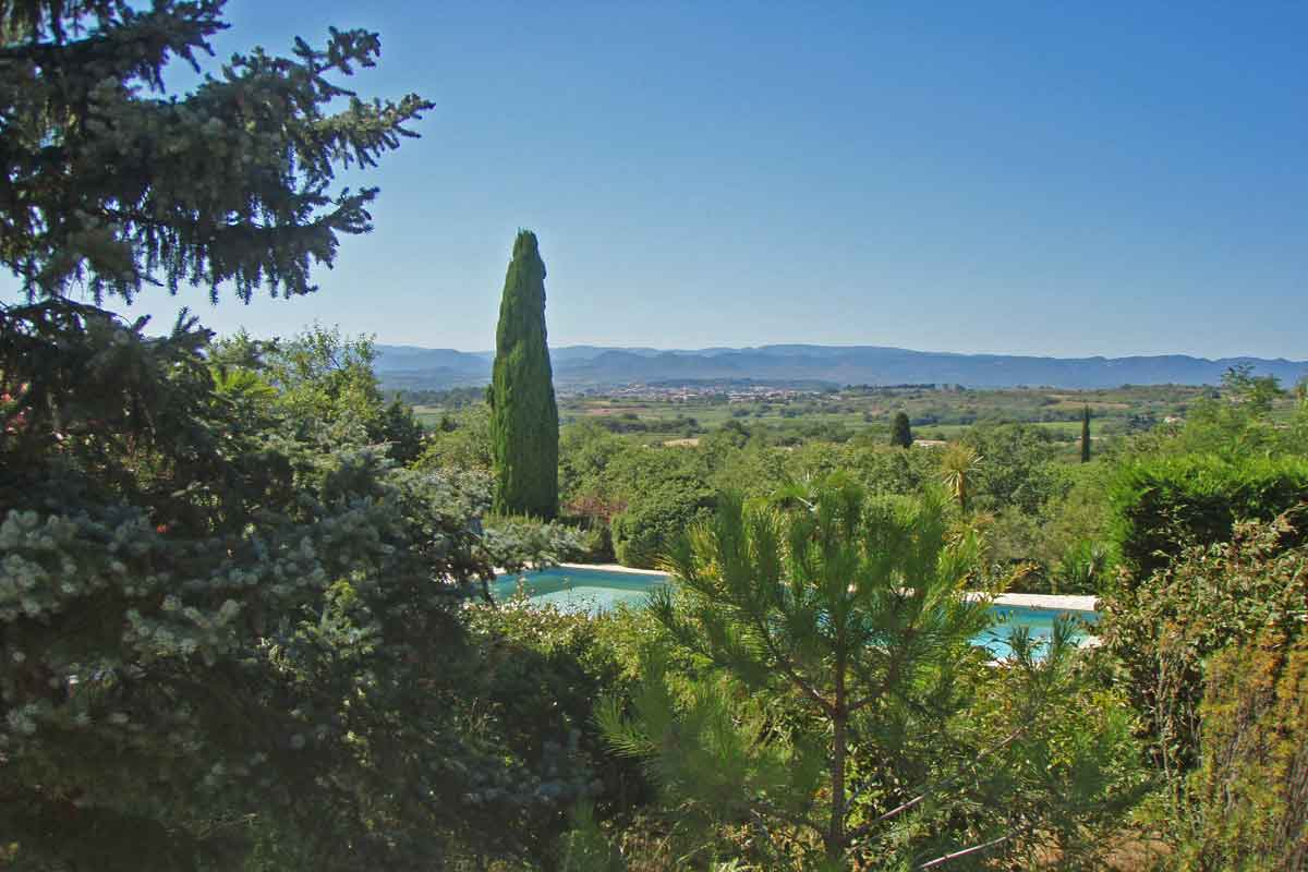 Holiday villa rental with pool south of france