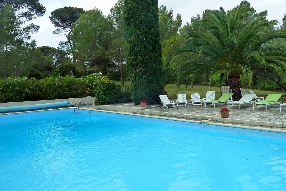 South Of France Holiday Chateau With Pool And Tennis To