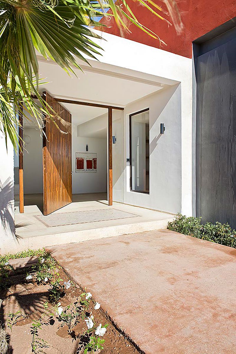 Modern Villa Rental Marrakech 10 pool