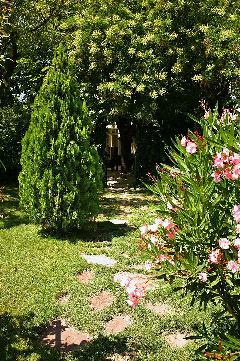 Pezenas-Villa-for-Rent