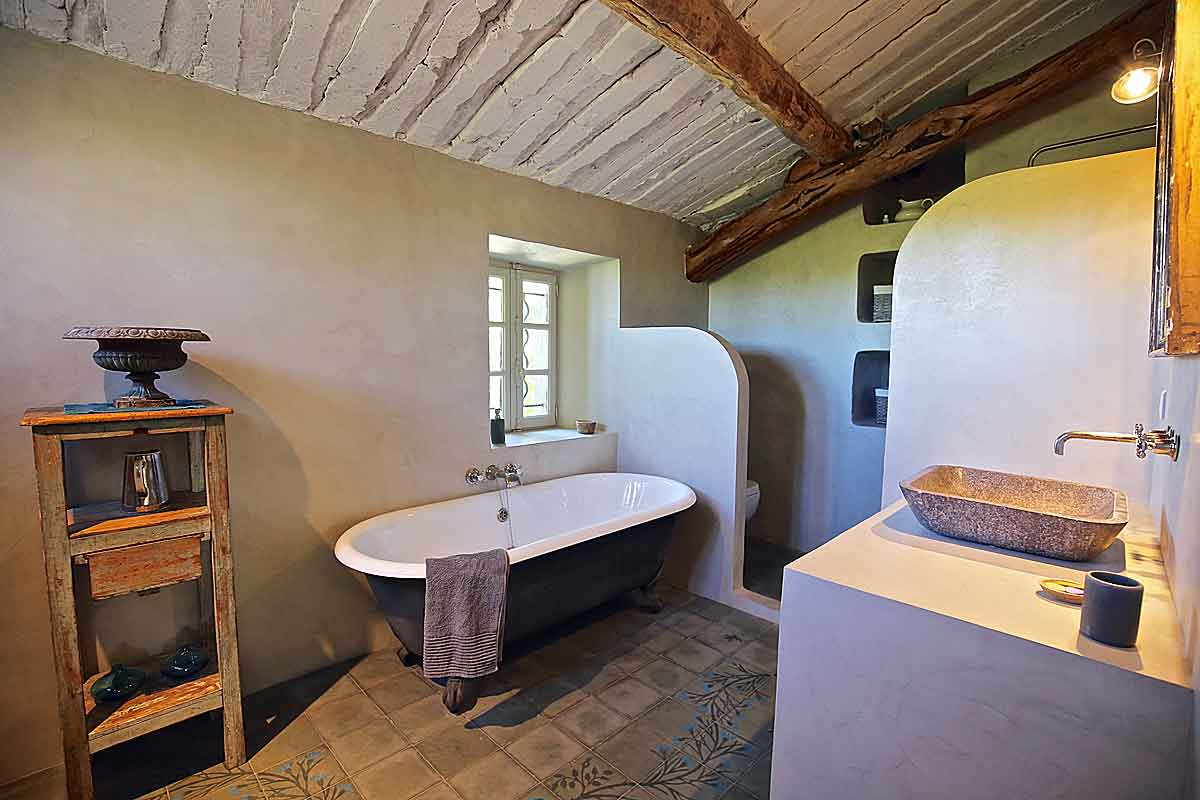 Luxury Villa To Rent In Luberon Traditional Provencal