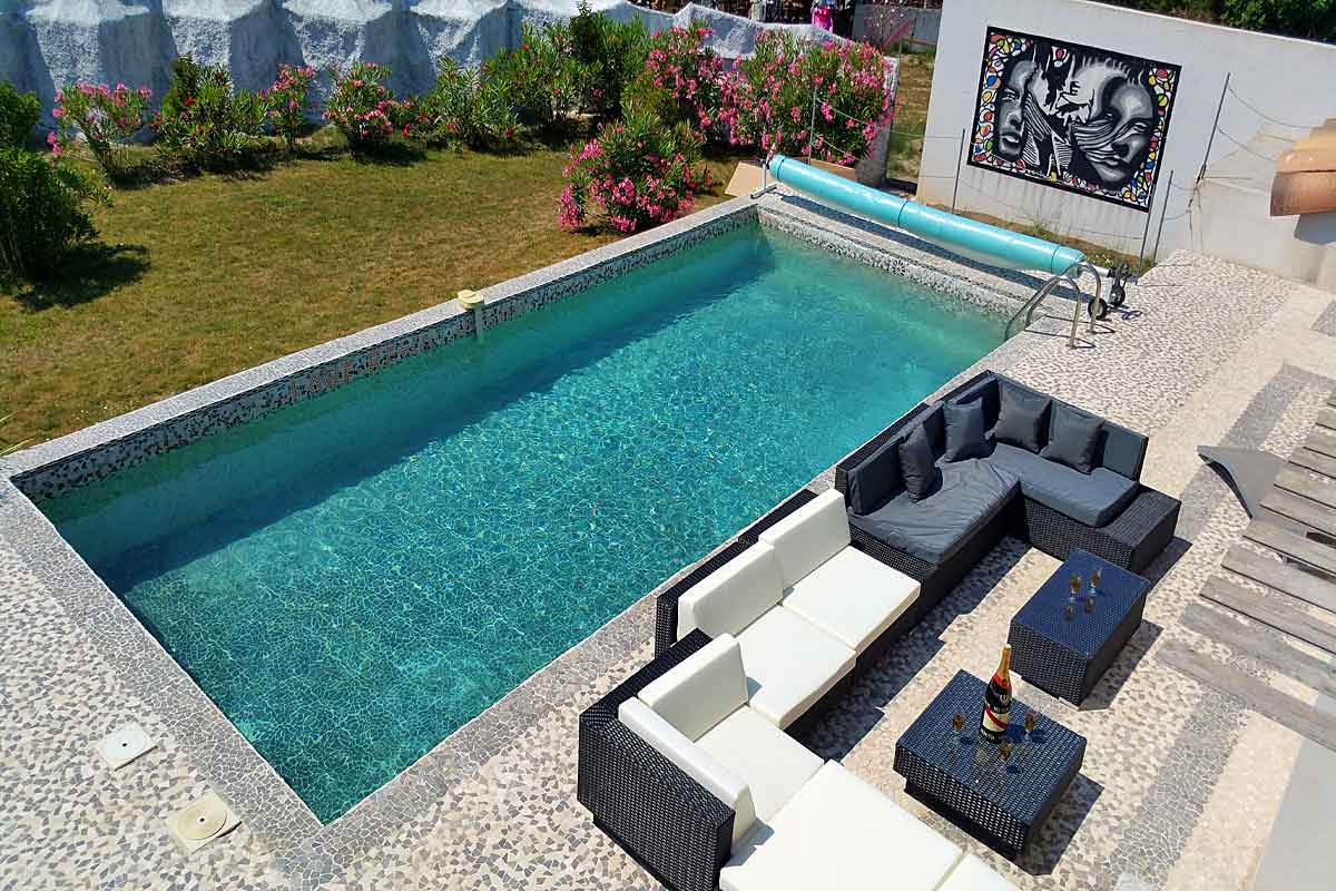 modern holiday villa with pool to rent in corbieres area of languedoc