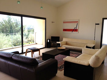 Provence holiday villa with pool to rent near avignon for Open the door salon de provence