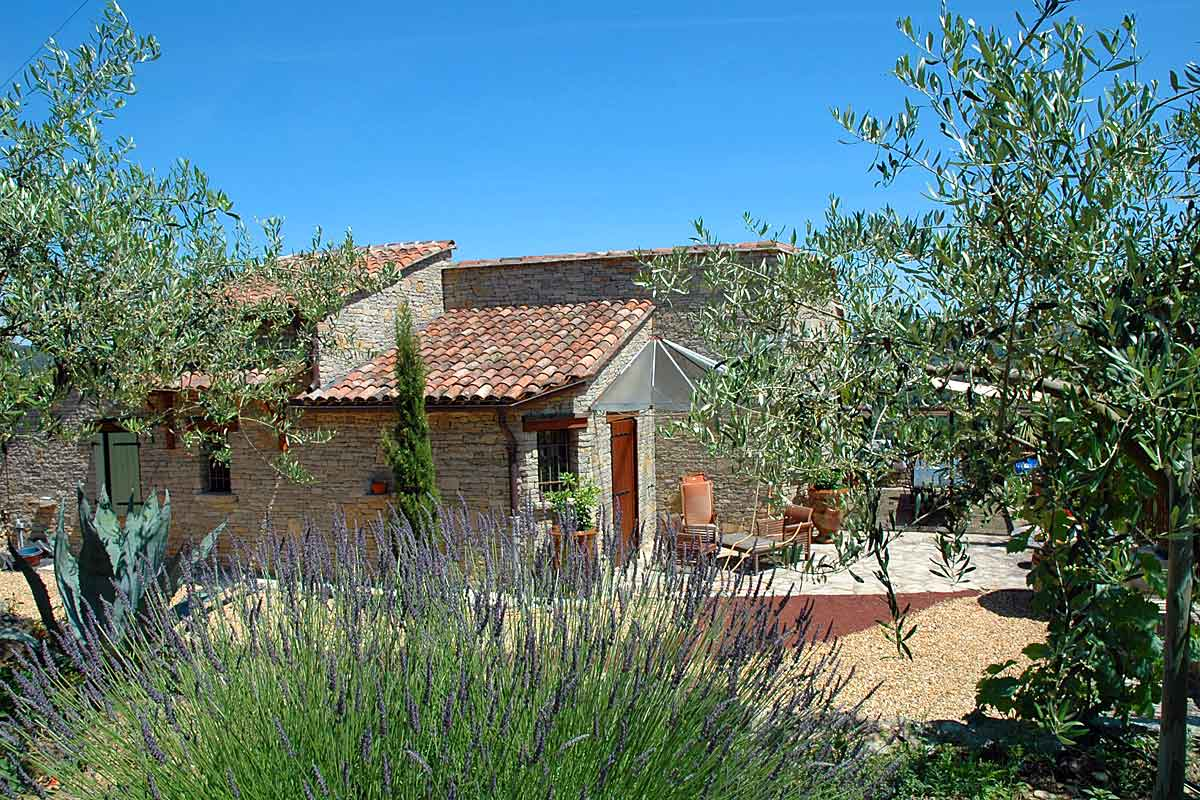 Villa-Rental-in-Languedoc-with-pool