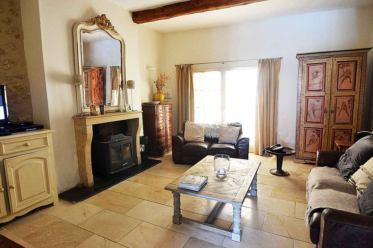 Pezenas-Holiday-Villa-with-Pool