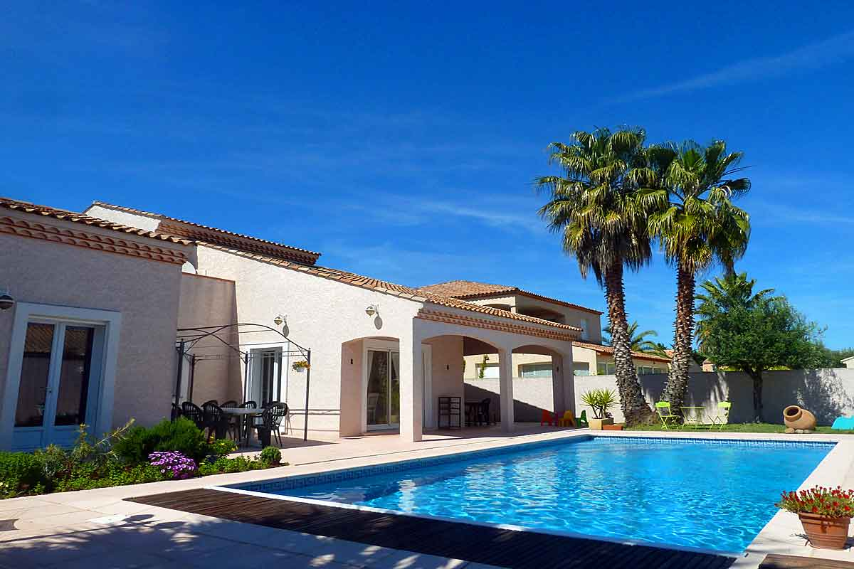 Languedoc Holiday Villa With Pool To Rent In Marseillan