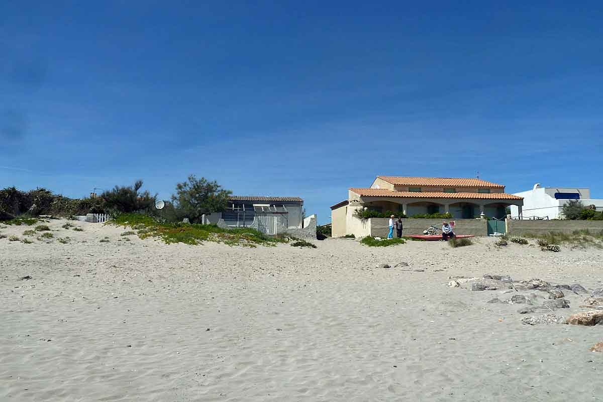 The House Is Second Row 50 Mts From Beach