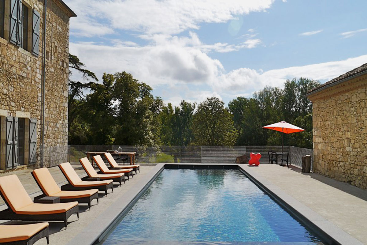 Large family rental near Toulouse pool