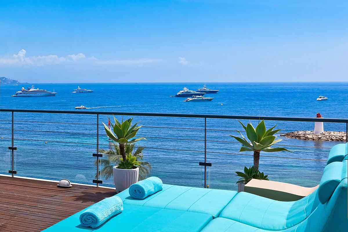 Luxury Beachfront Villa in Cap Ferrat