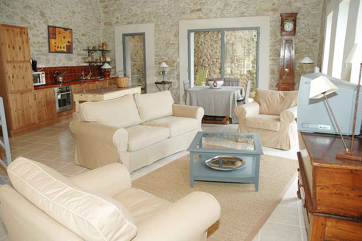 Villa-Rent-in-Minervois-with-Pool