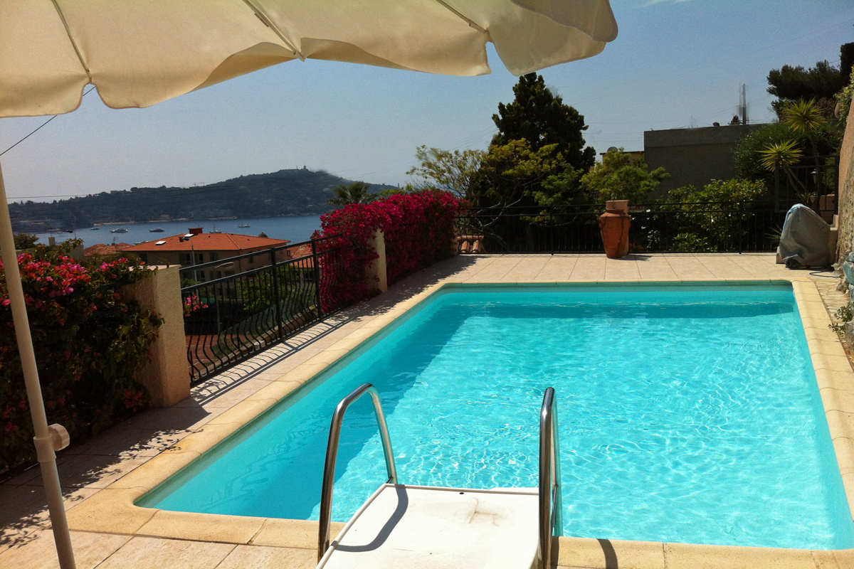 Villefranche Holiday Home sleeps 6