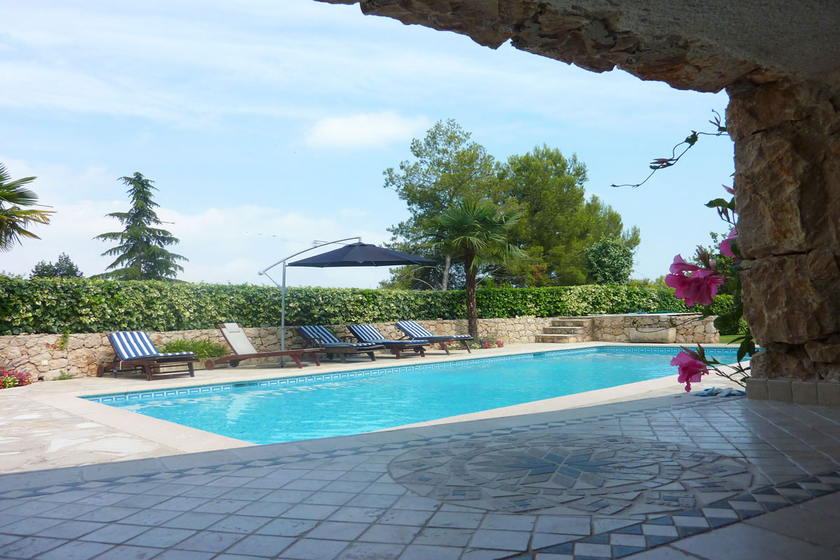 South of France Rental for 8 with pool