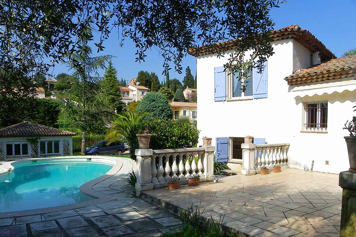 Grasse family holiday villa for 8
